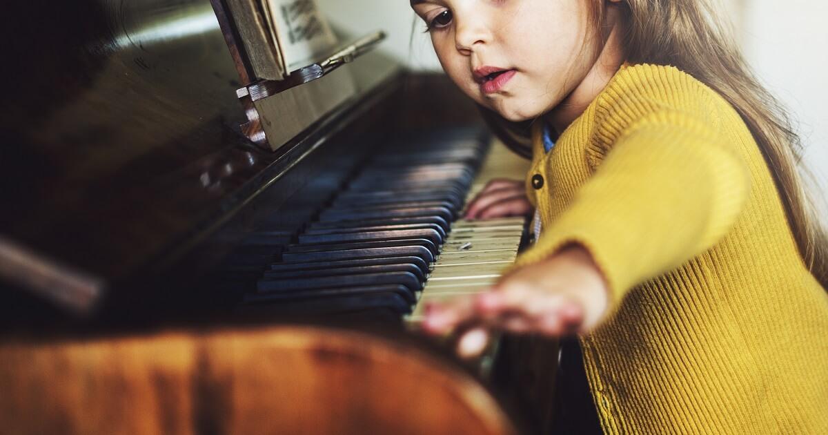 ピアノが幼児の脳の発達を促す