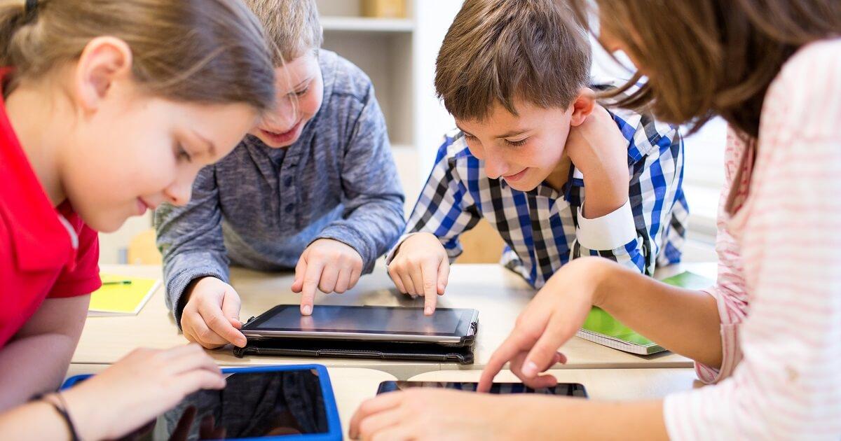 """""""身近なもの"""" として感じてもらう。プログラミング教育必修化により小学校で行なわれることとは?"""